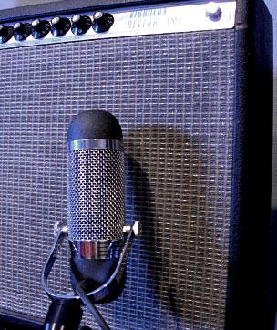 AEA R84 on guitar amp