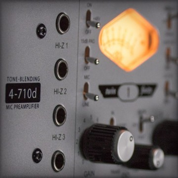 4-710d Four-Channel Tone-Blending Mic Preamp w/ Dynamics